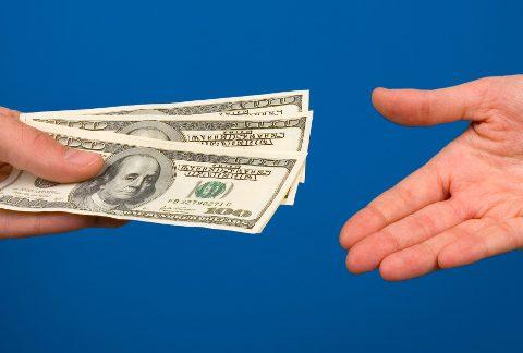 Збір коштів на потреби школи: необхідність чи джерело для зловживань?